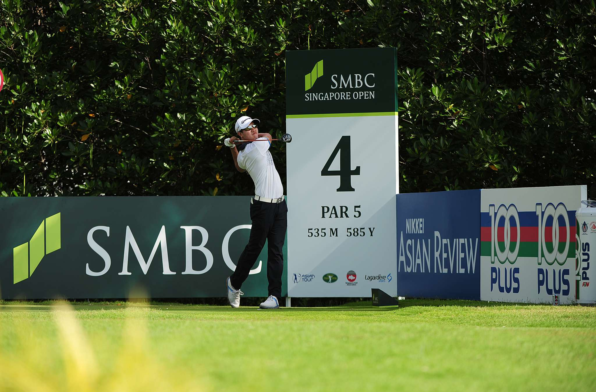 New Singapore Amateur champion Gregory Foo has been rewarded for his  victory with a spot in the SMBC Singapore Open from January 28 to 31, 2016